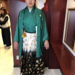 わが町の岡崎電気のご子息、拓ちゃん!当日は店の前からリムジンで式典へ。かっこいいぞ!